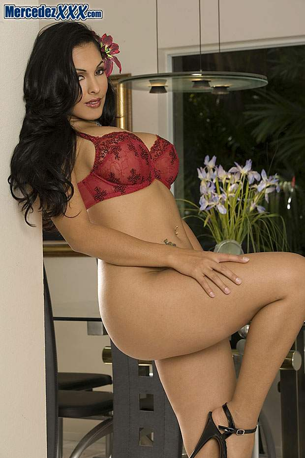 Nina Mercedez free pictures and biography at The SexBomb ...