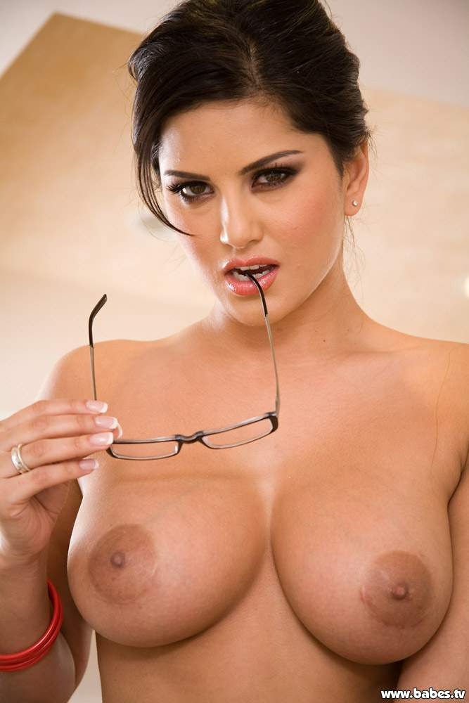 Free porn video brunette with glasses